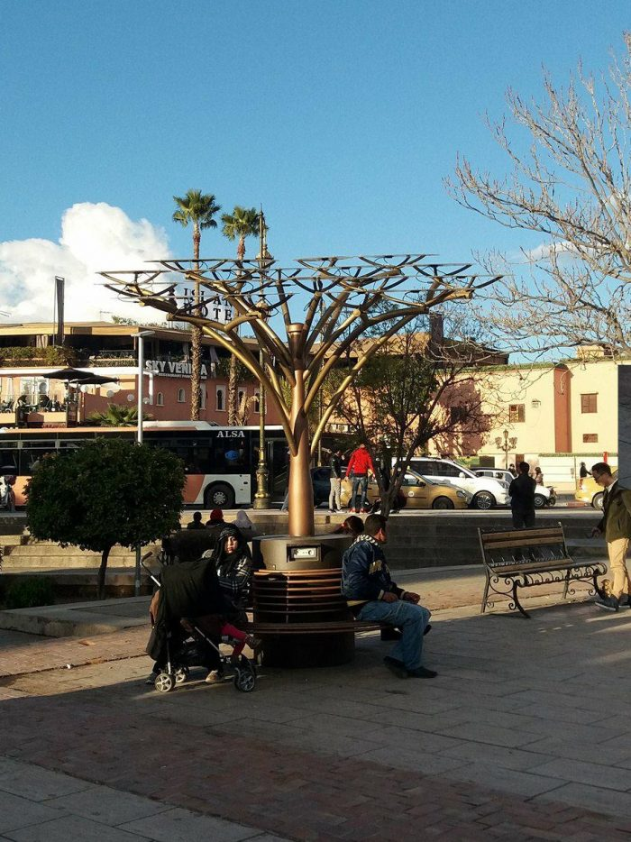 """More sustainability in Marrakech… A """"tree"""" holding solar panels to charge your ..."""